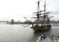 米独立支援の仏帆船「ハーマイオニー」号の復元船、NYに入港