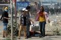 縫製工場のデモ隊に治安部隊が発砲、3人死亡 カンボジア