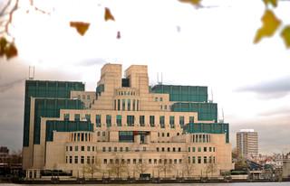 英秘密情報部、初のテレビCM開始 人材多様化狙う