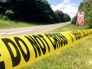 米16歳少年、車の後部座席に挟まれ窒息死 「死にそうだ」と通報