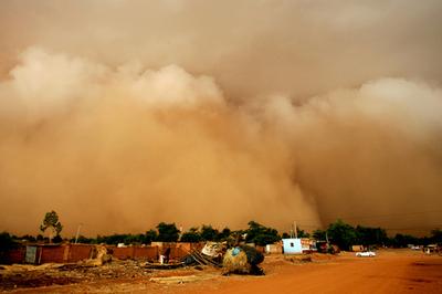 ニジェールで大規模な砂嵐、発生