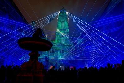 動画:仏リヨンで「光の祭典」、街全体をライトアップ