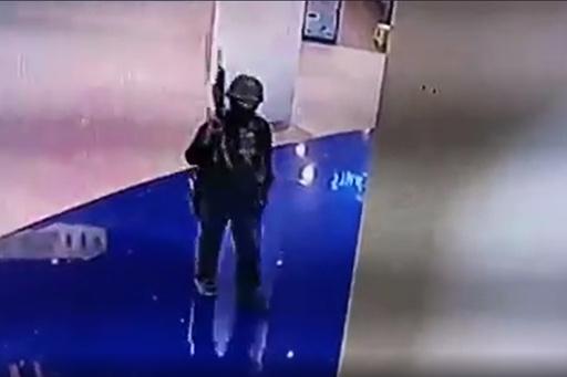 トイレに籠城、防犯画像で犯人の動き追う 瞑想も…タイ銃乱射 巻き込まれた人たち