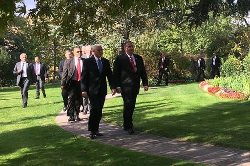 米副大統領、トルコ大統領と会談 シリア停戦を要求