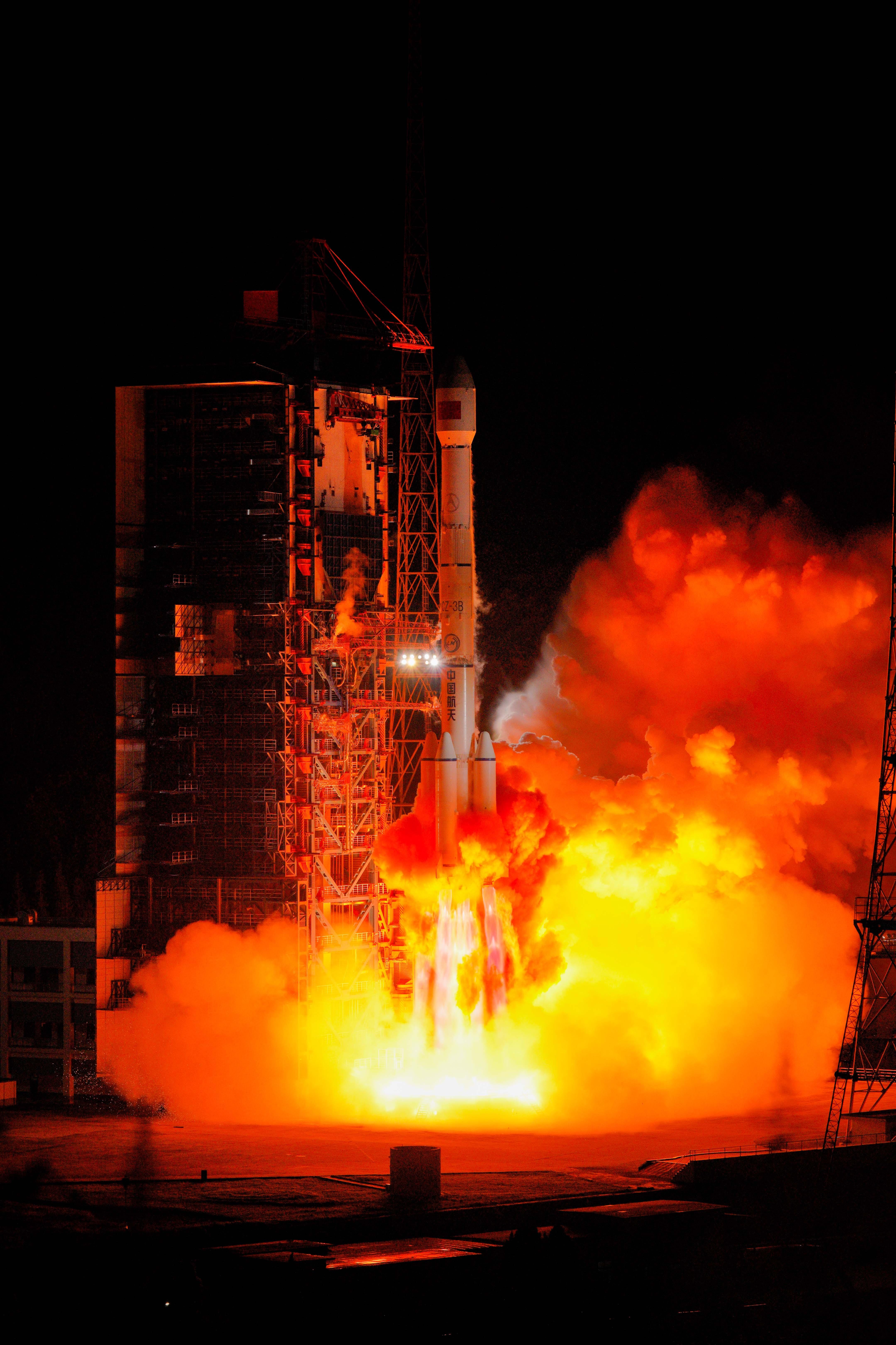 中国、通信技術試験衛星4号の打ち上げ成功