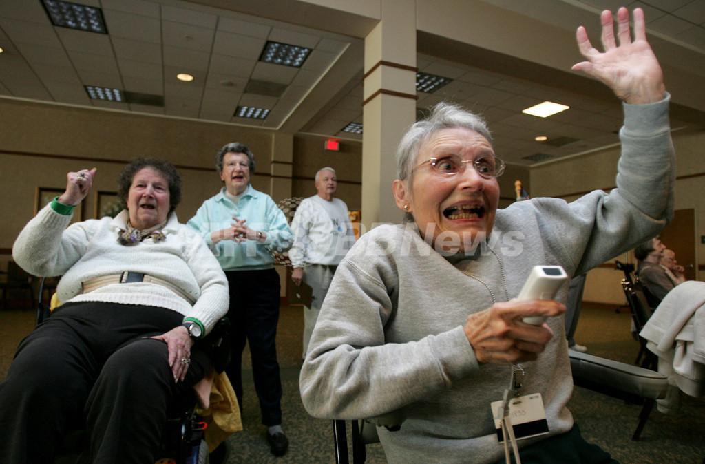 車いすのおばあちゃんも熱狂、Wiiが米国の高齢者に大人気