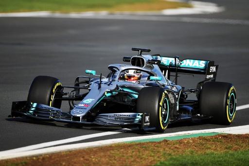 メルセデスが新車「W10」を発表、ハミルトンは6度目の年間王者に自信