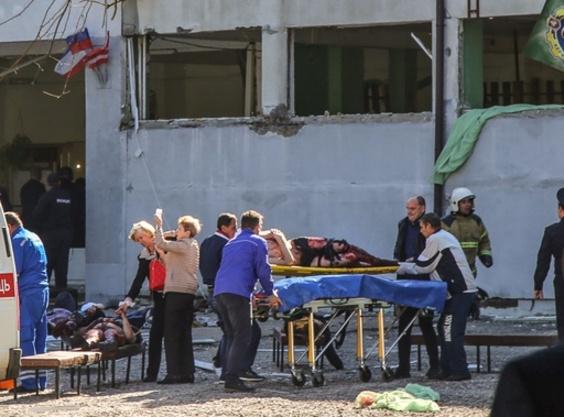 クリミア半島で生徒が学校銃撃、死者19人 教師に恨みか