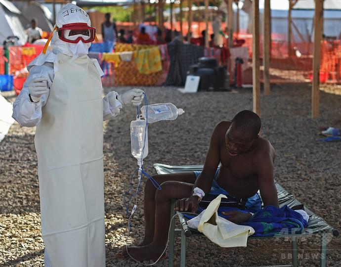 シエラレオネの若手医師らがストライキ、エボラ対策の不備訴え