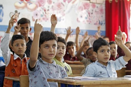 助けたくないなら土地を返せ、米支援中止で不安募るパレスチナ難民