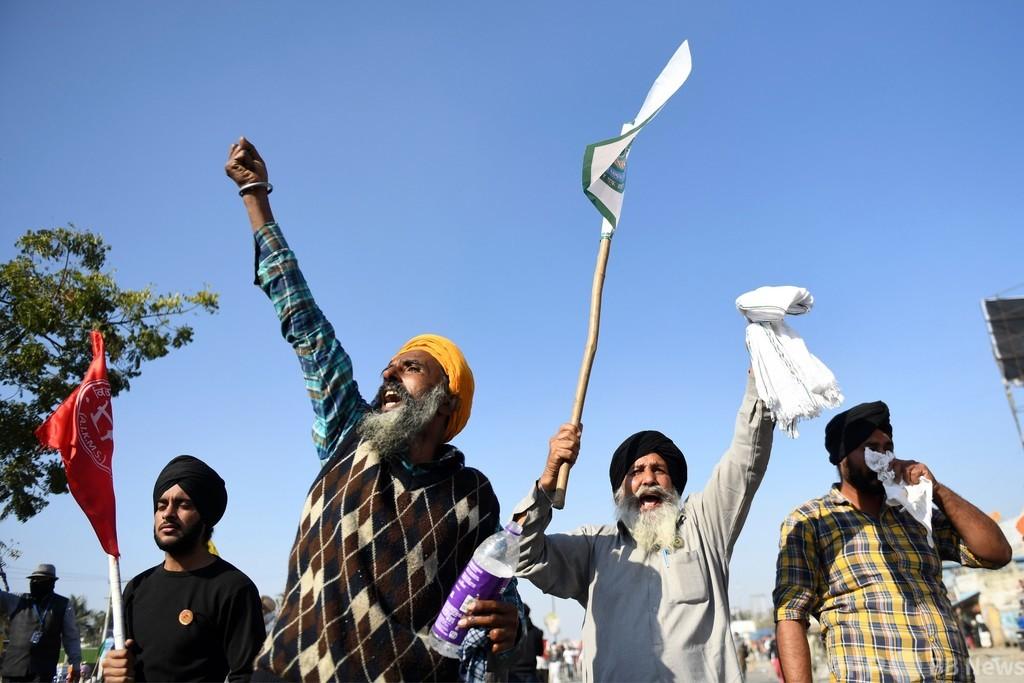 インド農家ら2日連続デモ行進、農業改革に反発 警察と衝突