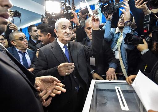 アルジェリア大統領選、元首相が勝利 首都で大規模な抗議