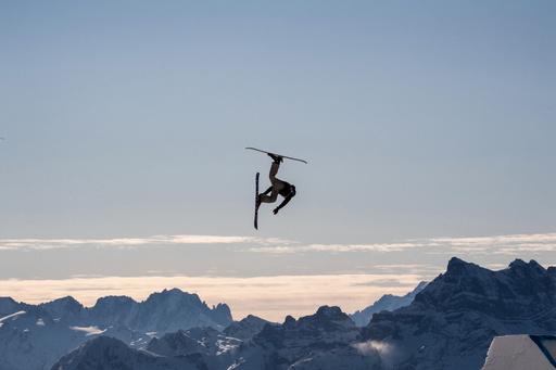 【今日の1枚】無限の大空が舞台、冬季ユース五輪
