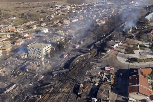 ガス輸送列車が脱線し爆発、7人死亡 周囲にも大きな被害 ブルガリア