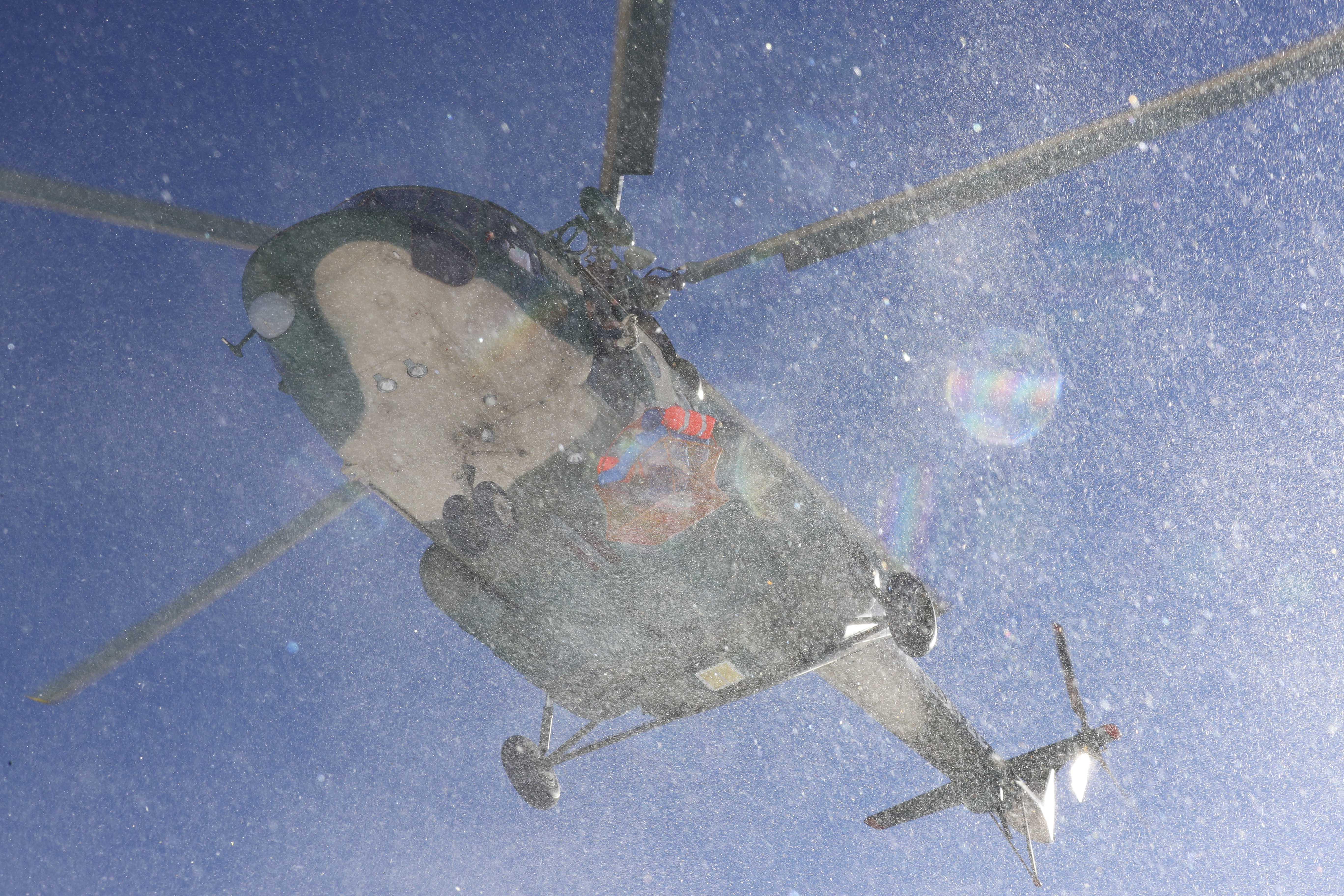 雪崩で孤立の10人、全員救助 新疆・昌吉市