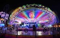 700年の歴史誇る移動遊園地「ハル・フェア」、ご当地グルメも人気 英
