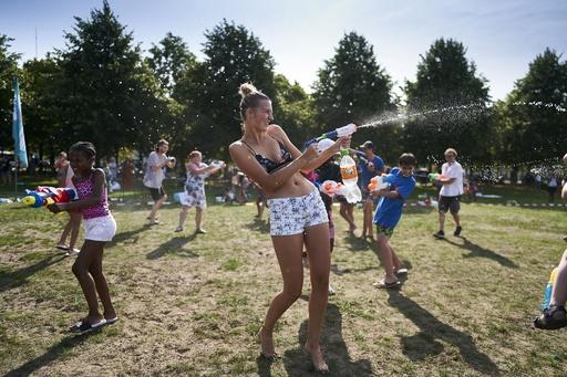 オランダ、熱波の週の死者数は例年より400人増 大半は高齢者