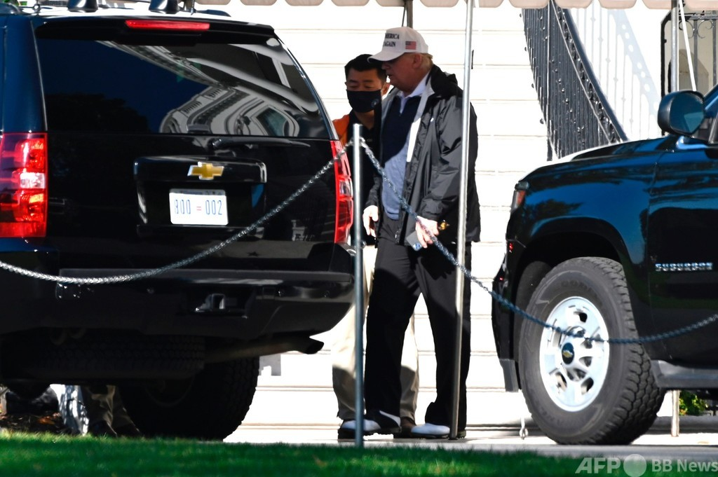 トランプ氏、ホワイトハウス離れゴルフ施設に