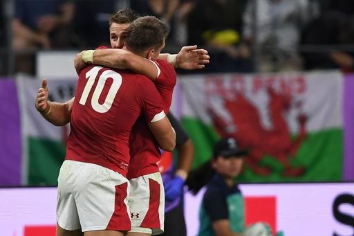ウェールズがラグビーW杯4強入り、14人のフランスに逆転勝ち