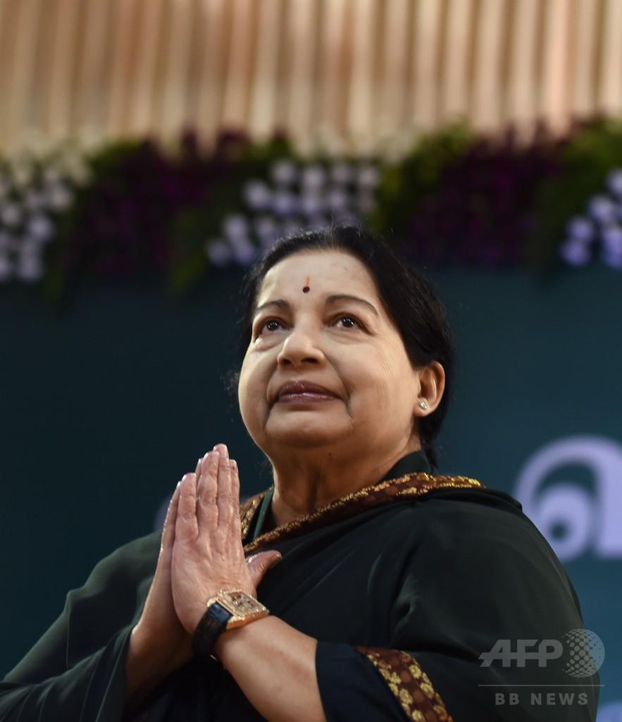 印南部の「母」ジャヤラリタ州首相が死去 大衆に愛された元女優