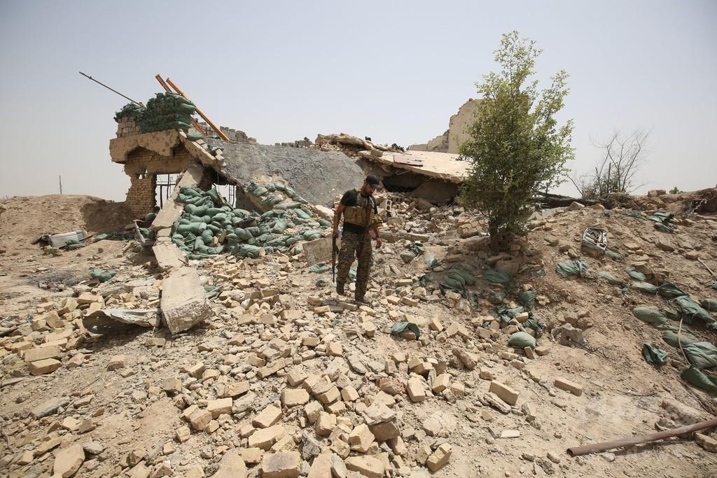 ファルージャ近郊で集団墓地発見 約400人の遺体、ISが「処刑」か