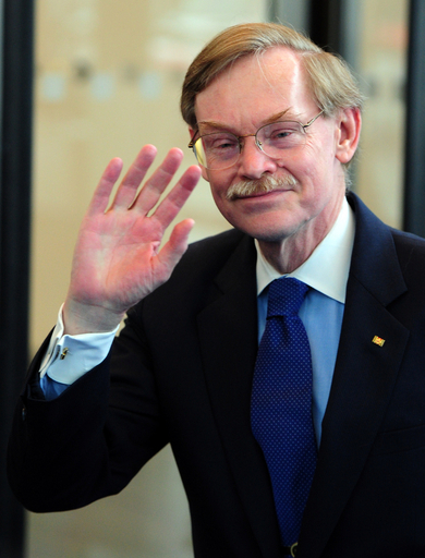 ゼーリック世銀総裁が6月退任へ、後任人事で新興国と欧米の対立再燃か