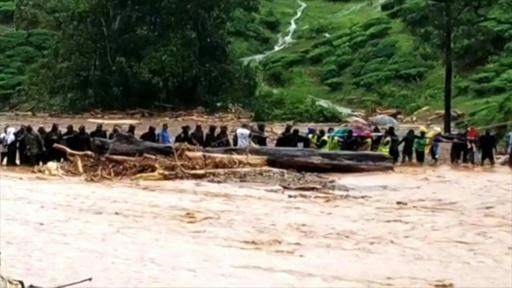 動画:インド南西部、洪水で144人死亡 46万人超避難 救出現場の映像