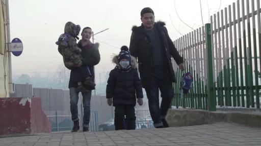 動画:モンゴルの深刻な大気汚染、家族もバラバラに