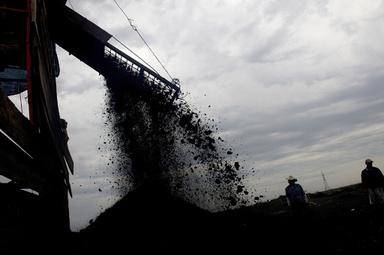 減量したら石炭もらえる高「炭素」ダイエット、ロシア 写真1枚 国際ニュース:AFPBB News