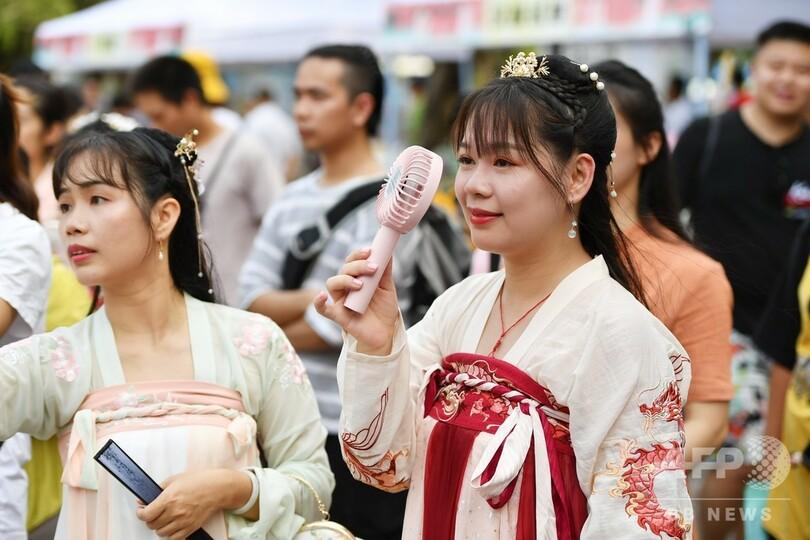 漢民族の伝統衣装「漢服」 中国の若者の間でブームに 写真5枚 国際 ...