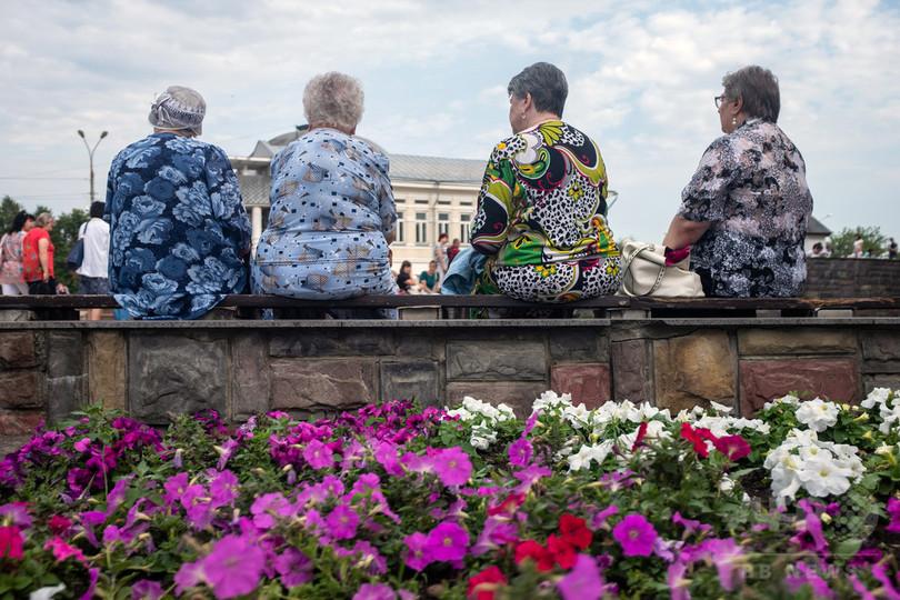 ロシア年金支給8歳引き上げ、「再就職難民」の中高年女性らが怒りの声