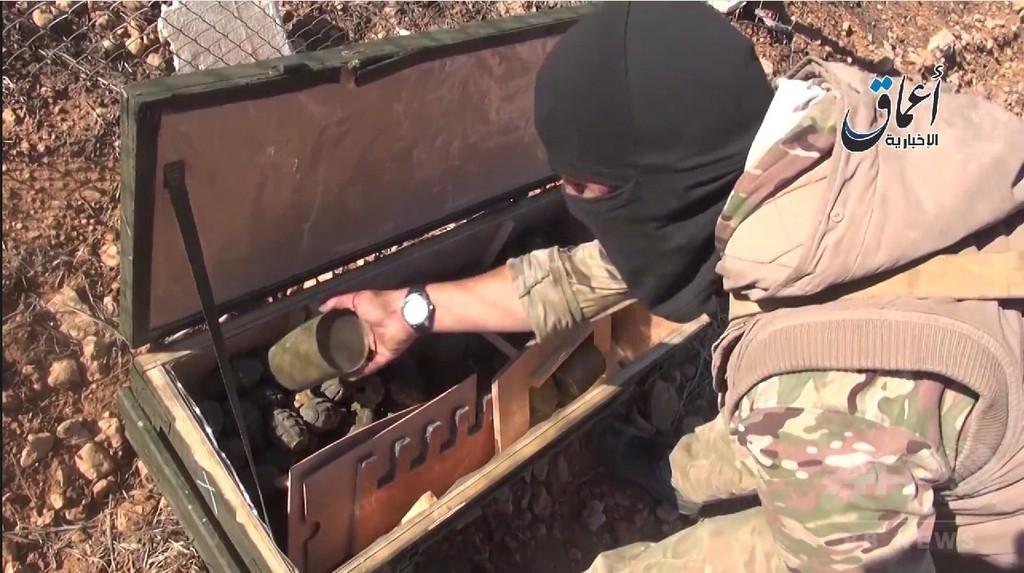イスラム国、米軍が投下した武器を入手か ネットに動画