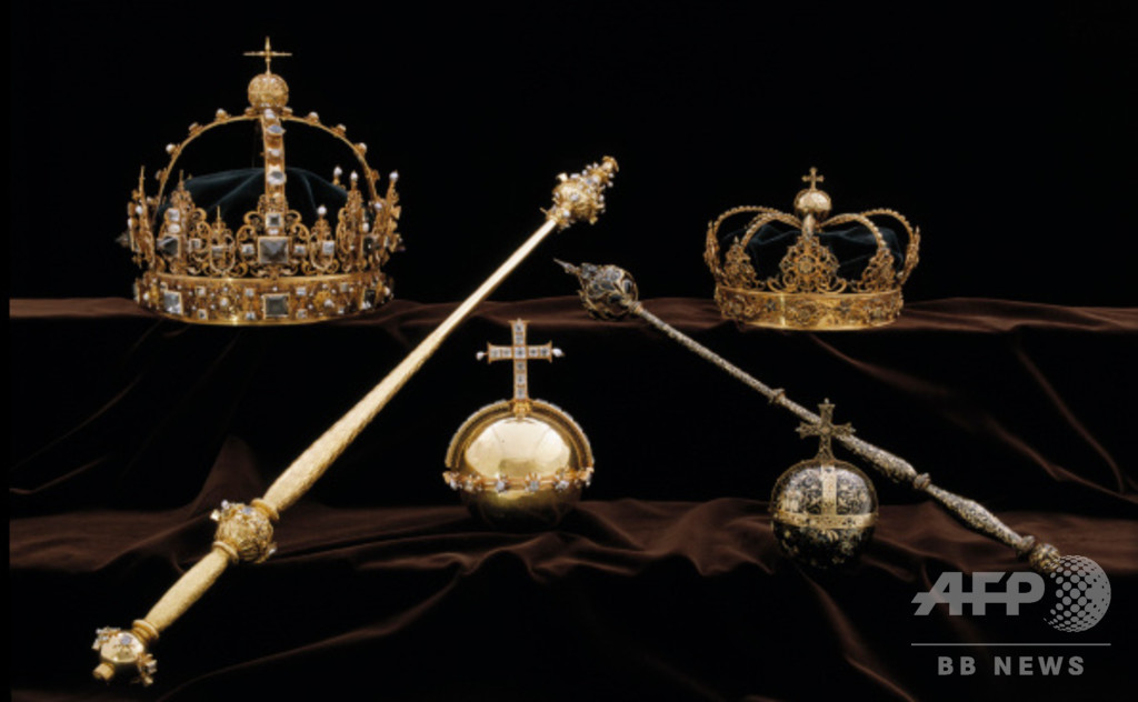 スウェーデン、盗難被害の王冠回収 ごみ箱から発見か