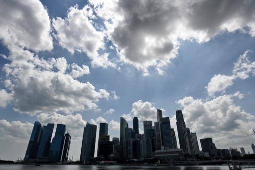 「モンスター夫」に禁錮25年超、妻への売春強要と娘らへの性的虐待で シンガポール