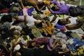 インドネシア海軍、難民約400人が乗った船を領海外にえい航