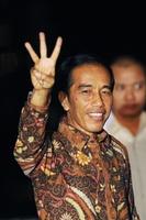 インドネシア大統領にスラム出身の改革派ジョコ氏