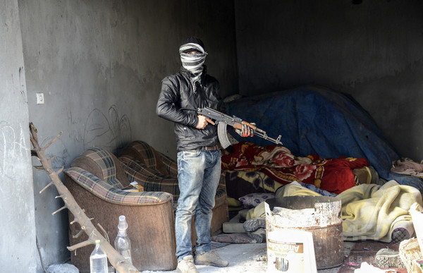 トルコ軍の車列に自動車爆弾、兵士2人死亡 南東部のクルド人地域