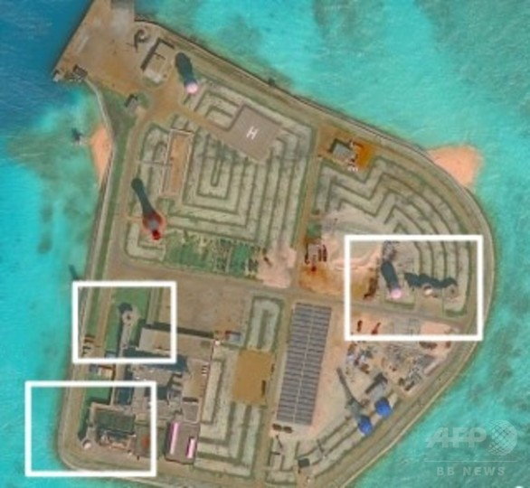 中国、南沙諸島に防空システム配備か 衛星画像で構造物確認
