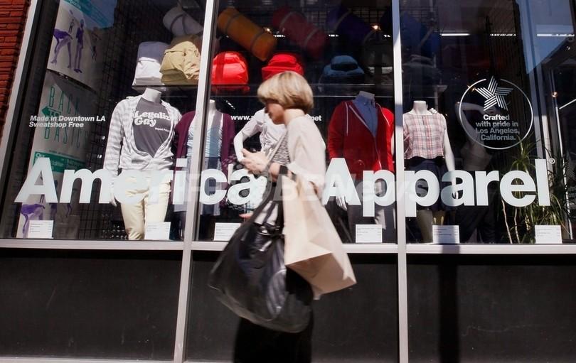 急成長の米衣料メーカー「アメリカンアパレル」、経営悪化でピンチ