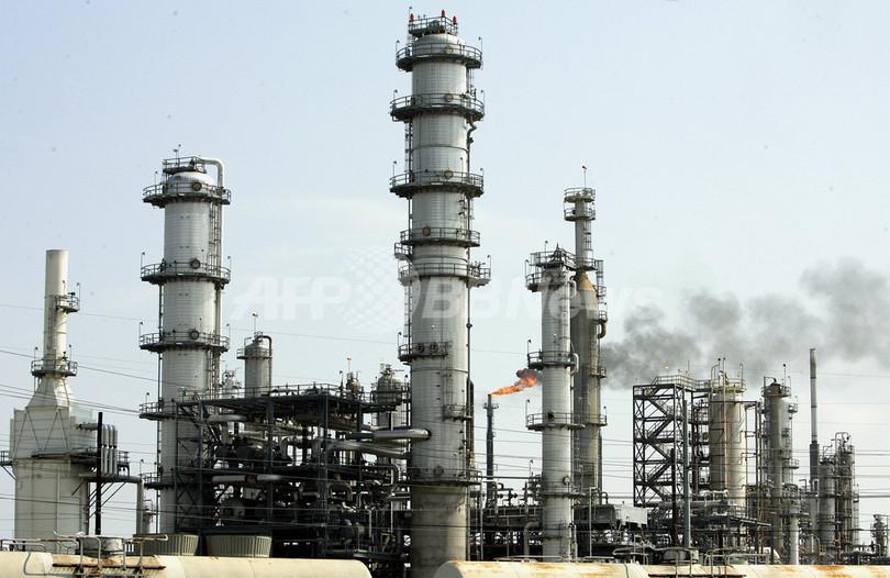 原油大幅続伸、英米政府の対策を好感
