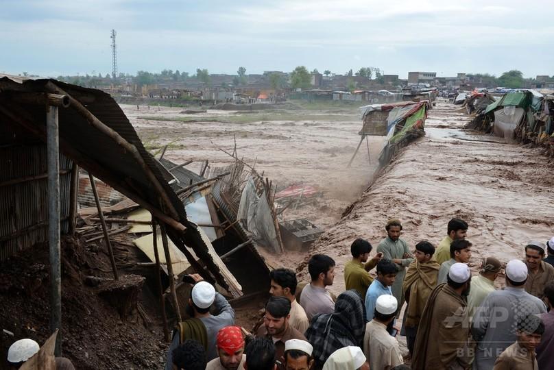パキスタン北部で豪雨、53人死亡