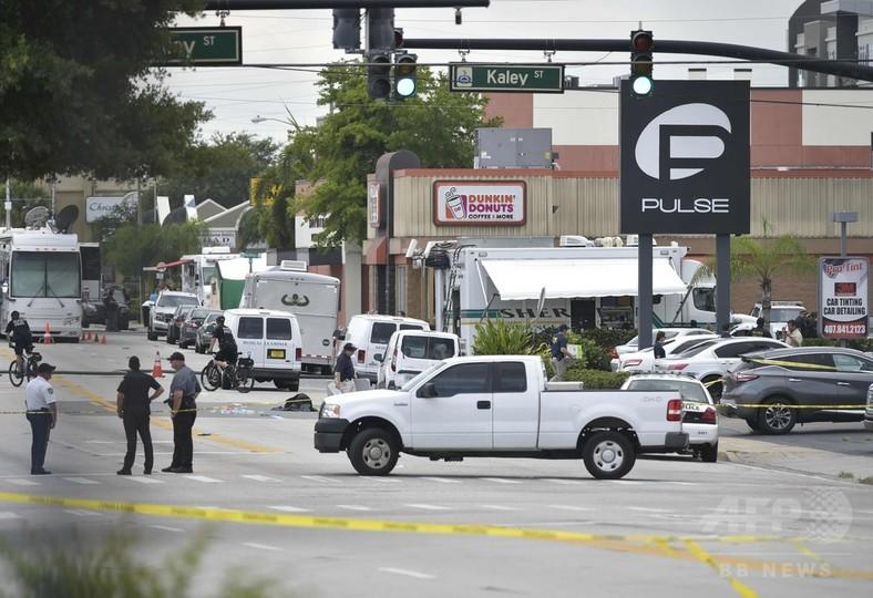 フロリダのゲイクラブ銃撃、死者50人 米史上最悪の銃乱射事件に