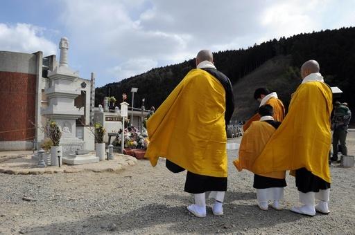 東日本大震災2年、各地で追悼式