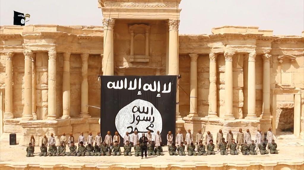 ISが新動画、パルミラ遺跡で少年兵がシリア軍兵士25人を殺害