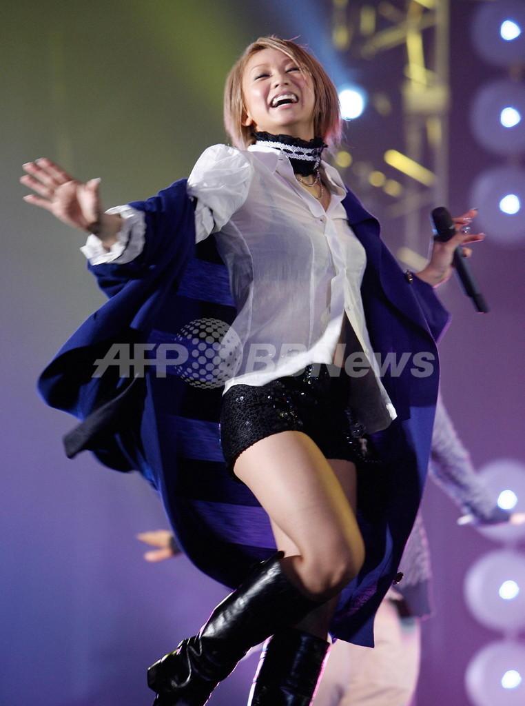 歌手の倖田來未、「羊水腐る」発言をめぐりウェブ上で謝罪