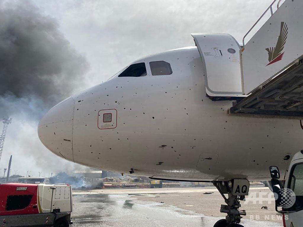 リビア首都にロケット弾、民間人4人死亡 ハフタル氏か