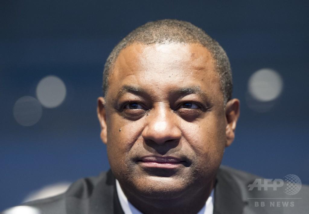 FIFA汚職疑惑で幹部ら逮捕、本部に家宅捜索 スイス