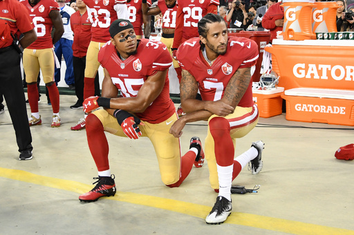 「自分を意図的にNFLから干している」、膝つき抗議の象徴QBがリーグ訴える