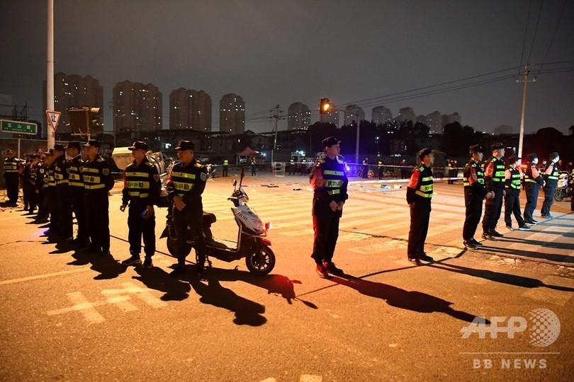 刃物を持った男が次々と通行人襲い20人死傷 福建省福州市