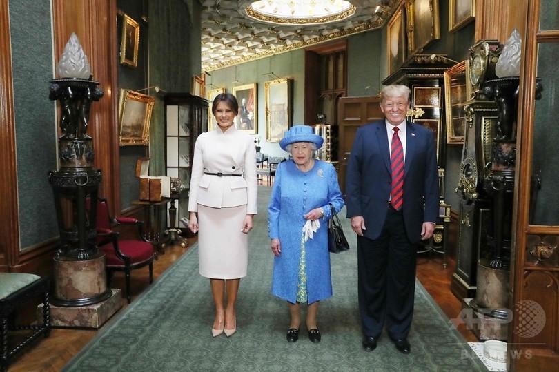 トランプ米大統領夫妻、エリザベス女王と面会